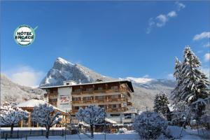 Location gîte, chambres d'hotes Chalet-Hôtel Neige et Roc, The Originals Relais (Hotel-Chalet de Tradition) dans le département Haute Savoie 74