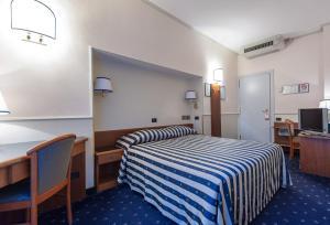 Hotel Flora, Отели  Милан - big - 58