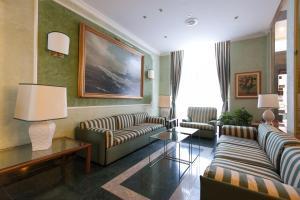 Hotel Flora, Отели  Милан - big - 76
