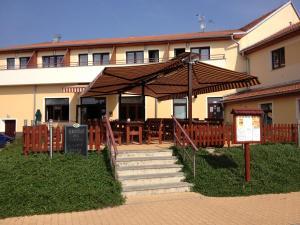 Ostelli e Alberghi - Active Wellness hotel U zlaté rybky