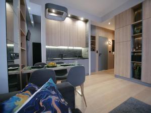 4UApartApartment suite Platan Tower Paradiso