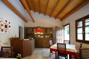 Hotel Rústico Casa Franco, Case di campagna  Adelán - big - 19