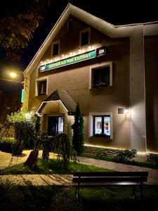 Hotel & Restaurant Pod Kaštany - Krupka