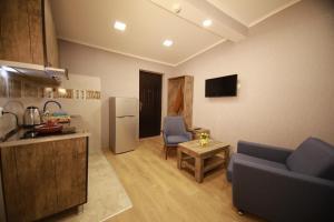 Tela Apartments