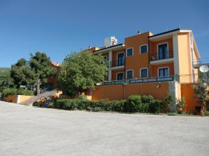 Hotel Pozzo Cavo - AbcAlberghi.com