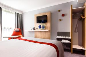 Holiday Inn Express London Stansted Airport (6 of 41)