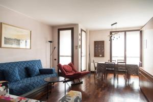 2 Bedrooms with Balcony near Bocconi, SDA, IED - AbcAlberghi.com