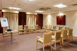 Holiday Inn Express London Stansted Airport (13 of 41)