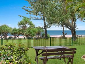 Shoreside Unit 1 - Absolute beachfront ground level unit in Tugun - Wi-Fi included