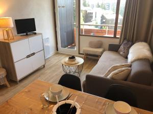 Charmant studio cabine COSY à 100 m des pistes - Hotel - Chamrousse