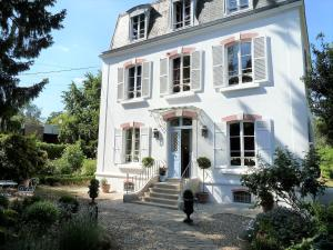 Location gîte, chambres d'hotes Le Clos des Princes dans le département Haut de seine 92