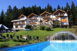 Gartenhotel Rosenhof bei Kitzbühel - Hotel - Oberndorf in Tirol