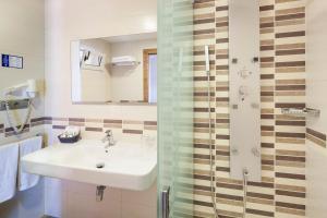 Invisa Hotel Club Cala Verde, Hotely  Playa es Figueral - big - 6