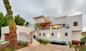 Villa Zachary