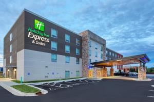 Holiday Inn Express & Suites - La Grange, an IHG Hotel