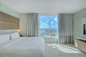 Hilton Fort Lauderdale Beach Resort (3 of 55)