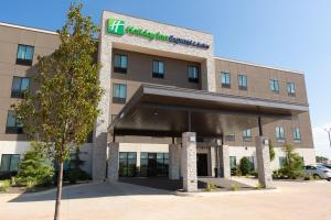 Holiday Inn Express & Suites - Kingfisher, an IHG Hotel