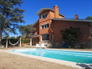 Apartment with 2 bedrooms in Villaviciosa de Odon with shared pool enclosed garden and WiFi