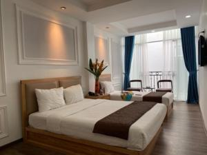 Holiday Suites Hotel & Spa