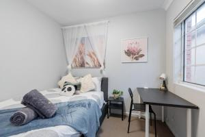 Quiet Private Room in Kingsford near UNSW, Light railway&bus - ROOM ONLY