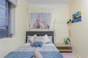 Quiet Private Room in Kingsford near UNSW, Light railway&bus G3 - ROOM ONLY