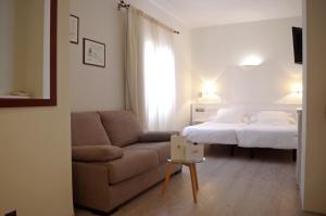 Hotel Llafranch (14 of 50)
