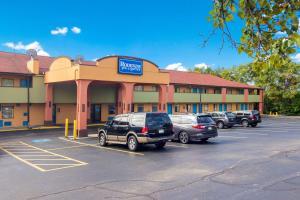 Rodeway Inn & Suites Monroeville-Pittsburgh