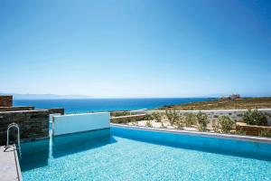 Honeymoon Suite with Private Pool and Outdoor Hot Tub
