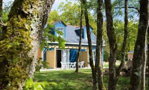 Location gîte, chambres d'hotes Terres de France - Le Domaine Du Golf dans le département Maine et Loire 49