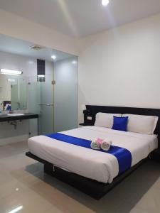 A Hotel Com Puri Maju Hotel Guest House Jakarta Indonesia Price Reviews Booking Contact