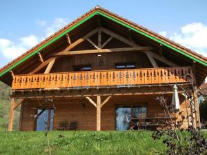 Location gîte, chambres d'hotes Gorgeous Mountain View Chalet with Sauna in Ventron dans le département Vosges 88