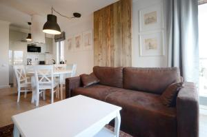 Dom House – Old Town Waterlane