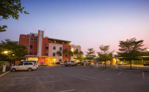Tharakiree Place Hotel