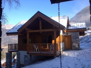 Lovely Chalet near Ski area in Oz, the Rohne Alpes - Hotel - Oz