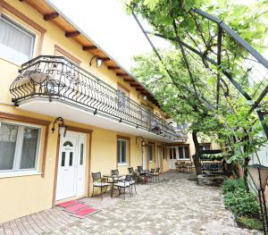 Apartments & Rooms Vienna, Guest houses  Osijek - big - 1