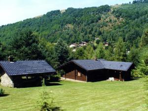 Location gîte, chambres d'hotes Serene Chalet in La Bresse with Garden dans le département Vosges 88