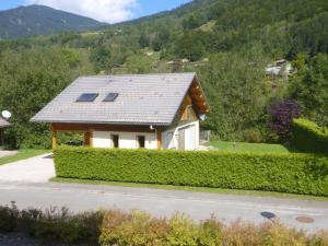 Spacious Chalet in Saint-Jean-d'Aulps near Ski Area - Hotel - Saint-Jean-d'Aulps