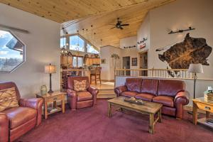 Hilltop Hideaway with Stunning Mtn Views! - Hotel - Jefferson