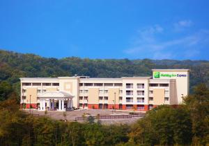 Holiday Inn Express Cincinnati West, an IHG Hotel