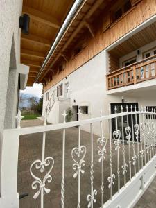 La Villa d'Hélène 2 Chambres d'hôtes BnB - Hotel - Cluses