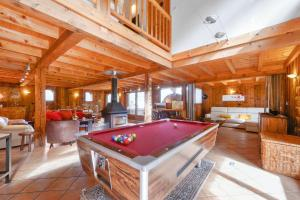 Chalet with 4 bedrooms in Morillon, with wonderful mountain view, furnished garden and WiFi - Hotel - Morillon