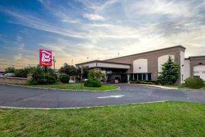 Red Roof Inn PLUS+ Woodbridge - Linden/Carteret