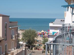 Residence Mediterraneo - AbcAlberghi.com