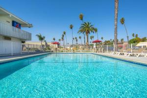 Motel 6-Ventura, CA - Beach