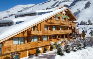 Hotel Les Mélèzes, Hotely  Les Deux Alpes - big - 1