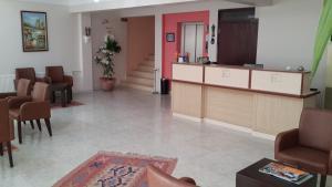 Отель Faik Hotel, Чешме