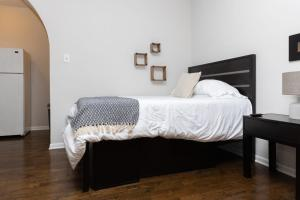 Classic HP 1BR with Fast Transit to UChicago & DT by Zen Rentals