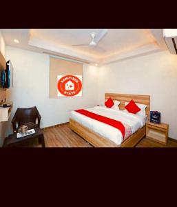 Hotel Aerocity Golden At Delhi Airport