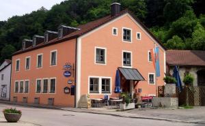 Gasthof zum Brunnen - Langenaltheim