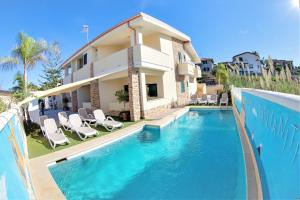 Villa Paglianiti - Your FAMILY Residence!